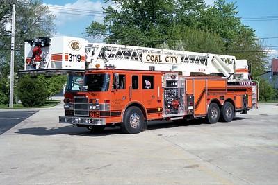 COAL CITY FPD  TRUCK 3119  2000 PIERCE DASH 2000-0-100' PAP    #10738