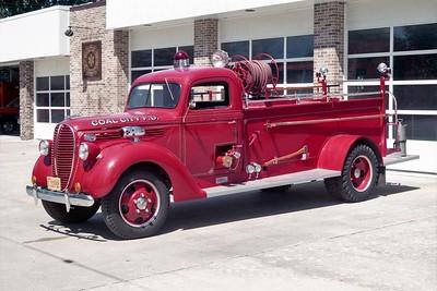 COAL CITY FPD  ENGINE 1  1938  FORD - DARLEY   500-300   X- NORTH AURORA FPD   #3132