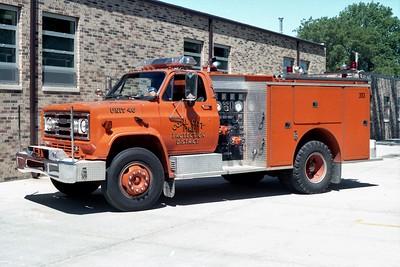COAL CITY FPD  SQUAD 46  (3113)  1985  CHEVY - PIERCE  500-400   E-2235