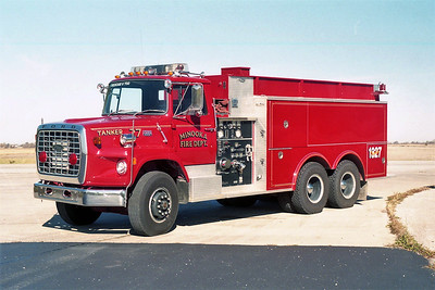 MINOOKA TANKER 1327   FORD L9000 - PIERCE