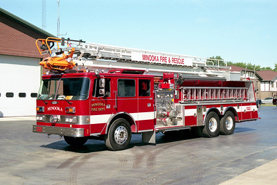 MINOOKA  TRUCK 1322  PIERCE ARROW