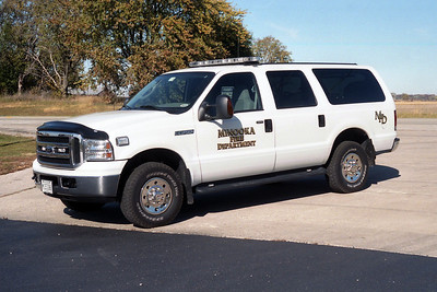 MINOOKA  CAR   FORD EXCURSION