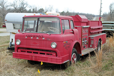 CAVE-IN-ROCK FD  ENGINE 2  FORD C-800-FMC