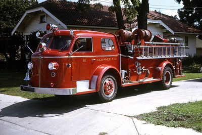 KEWANEE  ENGINE 2  1951 ALFCO 700   750-0   RON HEAL PHOTO