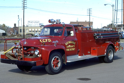 KEWANEE COMMUNITY  TANKER  1955 FORD - ALEXIS  500-   RON HEAL PHOTO