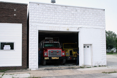 IROQUOIS-FORD FPD  THAWVILLE OLD STATION 1
