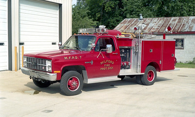 MILFORD  RESCUE 7  1984 CHEVY - PIERCE
