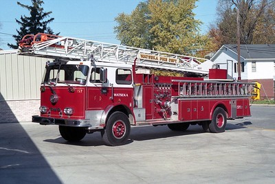 WATSEKA FD  LADDER 1  1972  FWD - PIERCE   1250-300-100'    #3098     X-ROSEMONT FD  LADDER 157