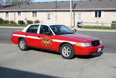 WATSEKA FD  CAR  2900  2004  FORD CROWN VIC