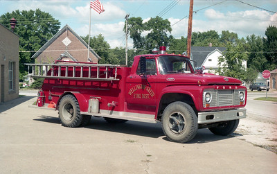 WELLINGTON-GREER FPD  TANKER  FORD F800 - ALEXIS