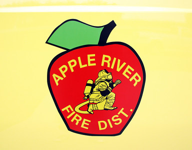 APPLE RIVER  DOOR LOGO