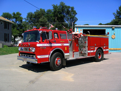 EAST DUBUQUE FIRE DEPARTMENT  ENGINE 2  X-NILES FD