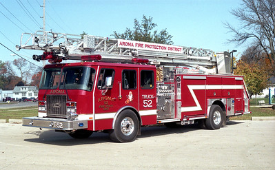 AROMA FPD  TRUCK 52   2001 E-ONE CYCLONE II   1500-470-30-75'   # 23014