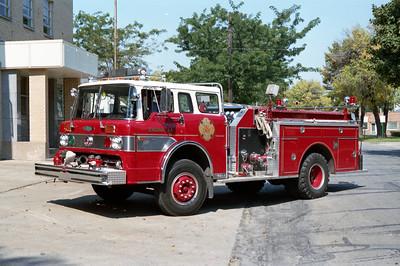 BRADLEY  ENGINE 44  1976 FORD C - PIERCE  1000-500  8983-C  NO STRIPE