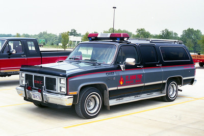 ST ANNE FIRE CHIEF   GMC SUBURBAN