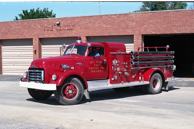 ST ANNE  ENGINE 11  1951 GMC - ALEXIS  500-750