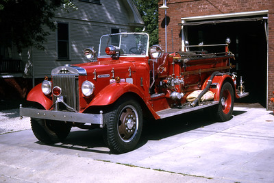 GALESBURG ENGINE 4  1936 IHC - FD  500 - 0   RON HEAL PHOTO