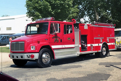 FRANKLIN GROVE  ENGINE 815    1995 FREIGHTLINER FL-80 - ALEXIS   1250-1000   #1582