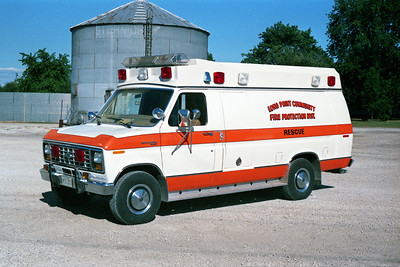 LONG POINT  AMBULANCE  4 1982 FORD E-350 - NATIONAL