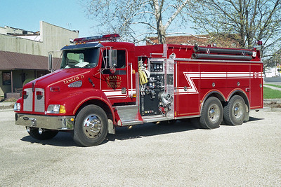 ATLANTA FD  TANKER 21  2002 KENWORTH T-300-PIERCE   750-2000   # 12393   (2005)