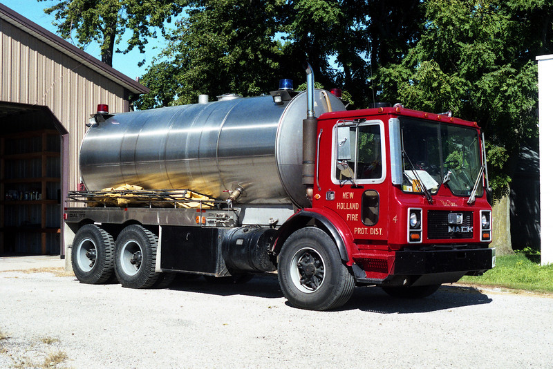 NEW HOLLAND  TANKER 4
