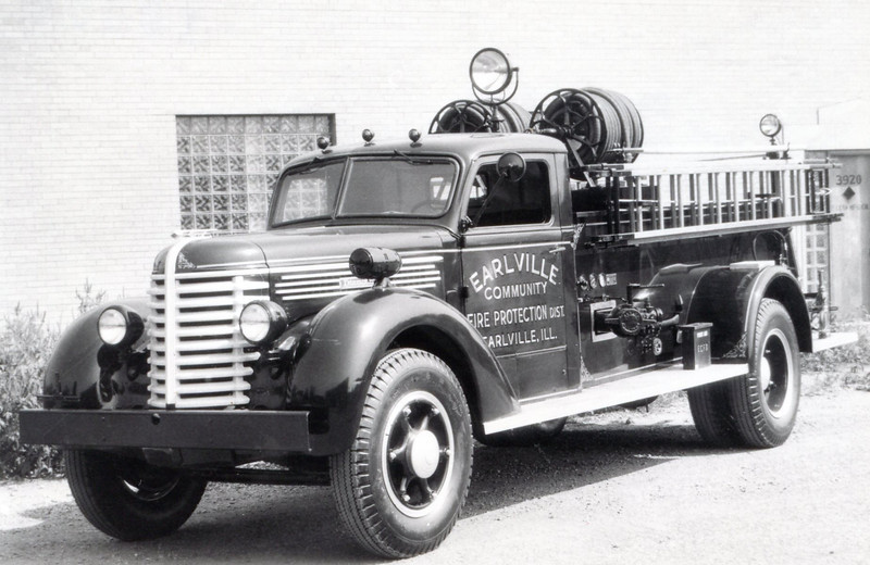 EARLVILLE FPD  1945 DIAMOND T-DARLEY  500-400