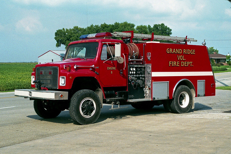 GRAND RIDGE VFD  ENGINE 8 1987  IHC S-1900 - MONROE  500-1400