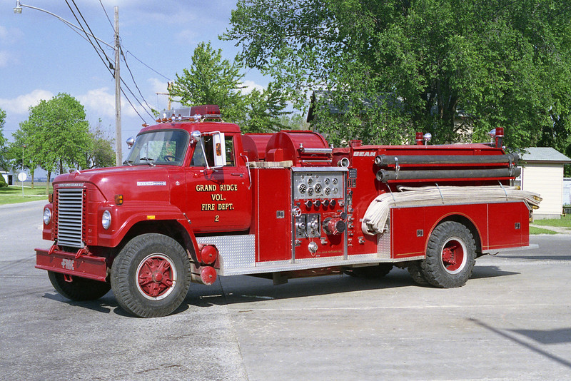 GRAND RIDGE VFD  ENGINE 2  IHC FLEETSTAR-BEAN