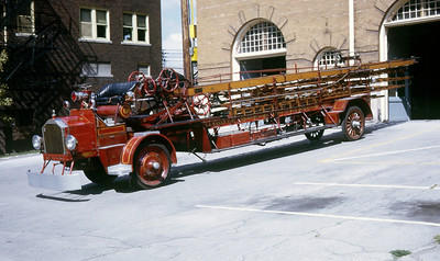 LASALLE  ANTIQUE LADDER  1928 ALFCO  65'  DRIVERS SIDE   RON HEAL PHOTO