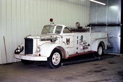 ENGINE  1 ANTIQUE  WHITE OPEN CAB