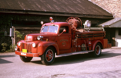 OTTAWA ENGINE 1  1941 FORD -   RON HEAL PHOTO