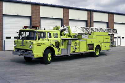 TRUCK 1  FORD C-8000 - ALFCO MIDMOUNT