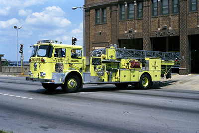 TRUCK 2   SEAGRAVE MIDMOUNT