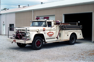 BUNLER HILL  ENGINE  4   CHEVY - TOWERS  WHITE
