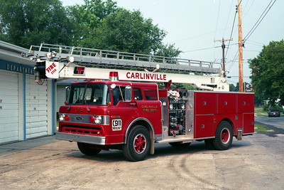 ENGINE 7   FORD C-8000 - PIERCE