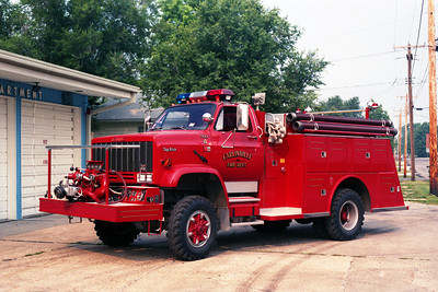 ENGINE 4   CHEVY TOPKICK - TOWERS