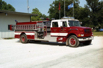 MEDORA ENGINE 2    IHC 4900 - PIERCE