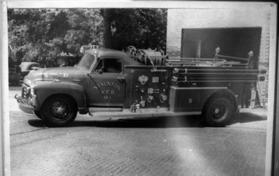 ENGINE 1   PHOTO ON THE WALL
