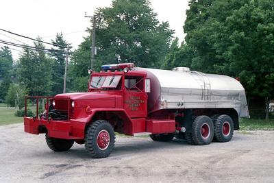 VIRDEN TANKER 8  1957 IHC - 1965 PROGRESS  500-3000