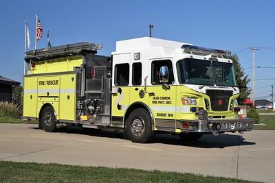 GLEN CARBON FPD ENGINE 1913  2009  SPARTAN EVOLUTION - CRIMSON   1500-1000-50   OFFICERS SIDE   JOHN FIJAL PHOTO