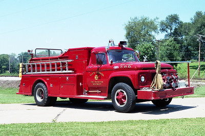 GLEN CARBON FPD  ENGINE 1984  1965  FORD F-800 - TOWERS   750-750    #1304