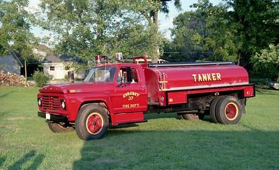 GODFEY FPD  TANKER 37   1971 FORD F - SCHIEN   0-1200