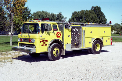 HOLIDAY SHORES ENGINE 244   FORD C-8000 - E-ONE