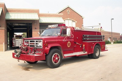 MADISON FD  ENGINE 4505  1981 GMC 7000 - TOWERS  750-900    JOHN FIJAL PHOTO