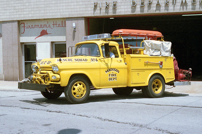 MADISON FD   RESCUE 4  1954 GMC - TOWERS  500-250