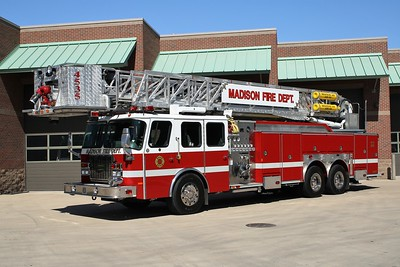 MADISON FD  LADDER 4535  1999 E-ONE CYCLONE II  1500-300-95'   #20731   JOHN FIJAL PHOTO