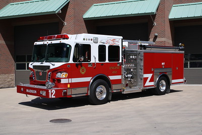 MADISON FD  ENGINE 4512  2004 SPARTAN EVOLUTION - CRIMSON  1500-750-40   #03141-001    JOHN FIJAL PHOTO