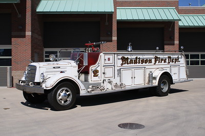 MADISON FD  ENGINE  1949 MACK E - CENTRAL ST LOUIS  500-300  QUAD  JOHN FIJAL PHOTO