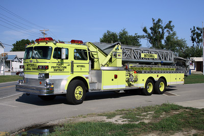 MITCHELL FPD  LADDER 7 SUTPHEN