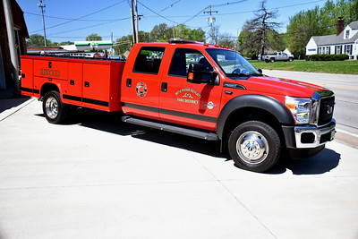 ROSEWOOD HEIGHTS FD  RESCUE 1711   2016 FORD F550 - KNAPHEIDE   DAVID HORNACEK PHOTO